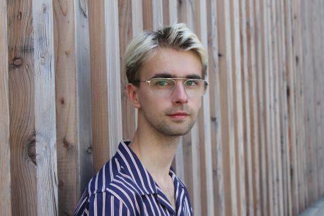 """""""Ich gehe sehr Film-untypisch vor"""" – Luis August Krawen im Interview"""